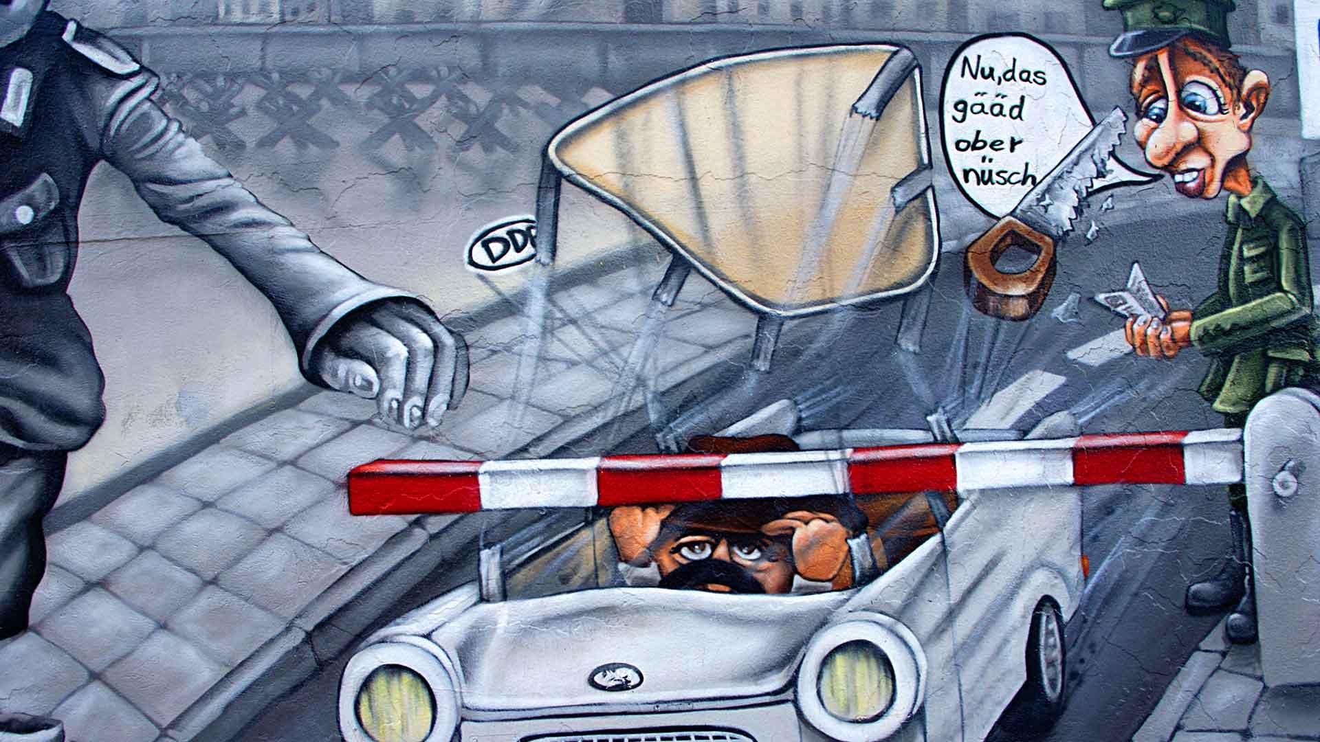 Graffiti bij Checkpoint Charlie in Berlijn.