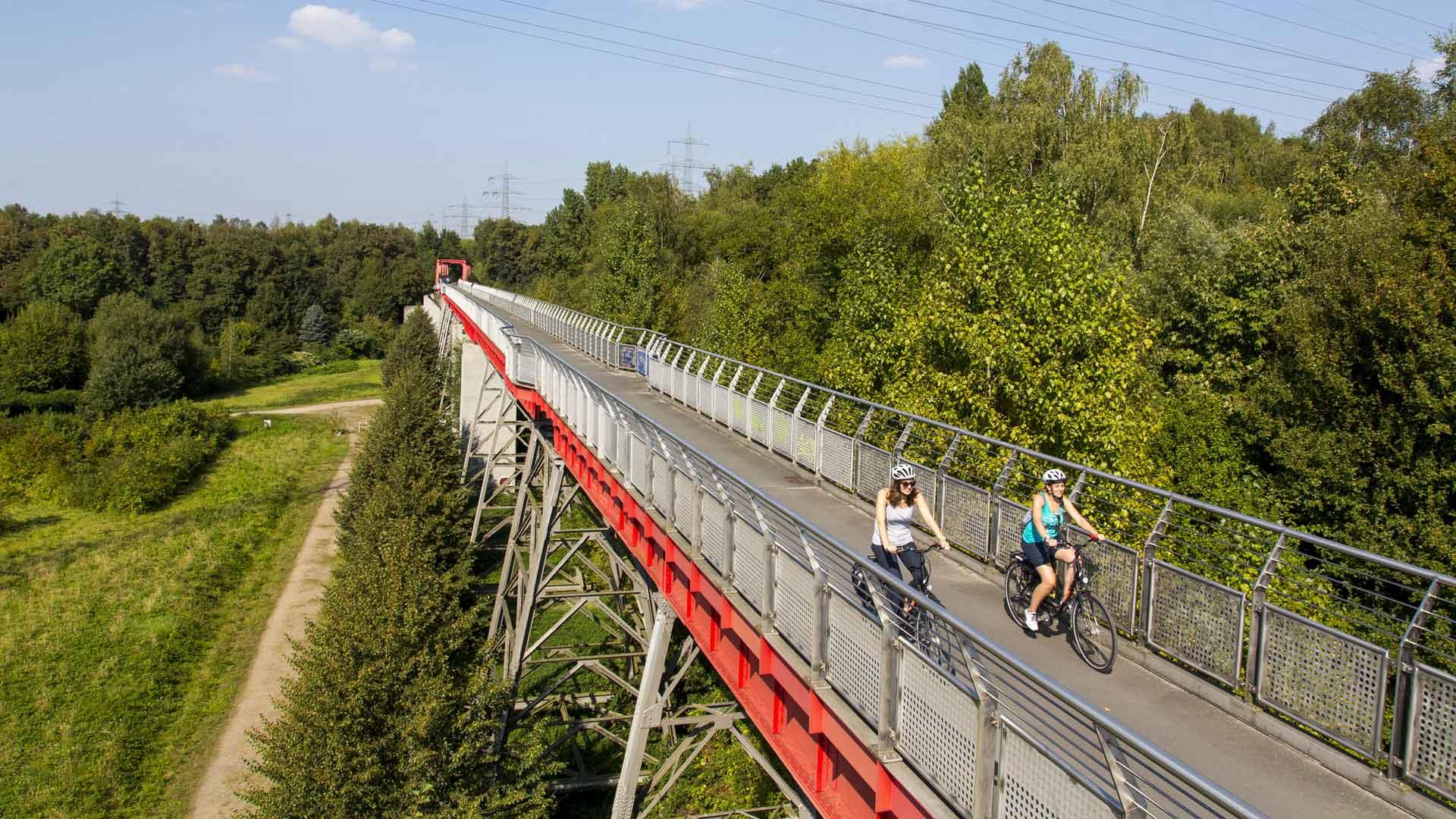 Waar vroeger de treinen reden op de Ruhrtalbahn bij Bochum kun je nu prachtig fietsen.