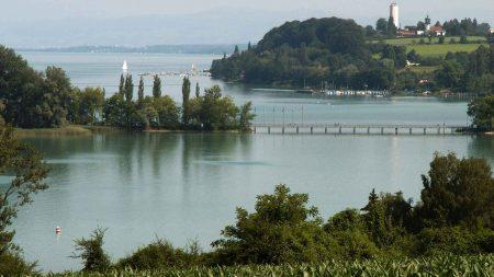 Als je gaat fietsen langs de Bodensee mag je een bezoek aan het bloemeneiland Mainau niet missen. z