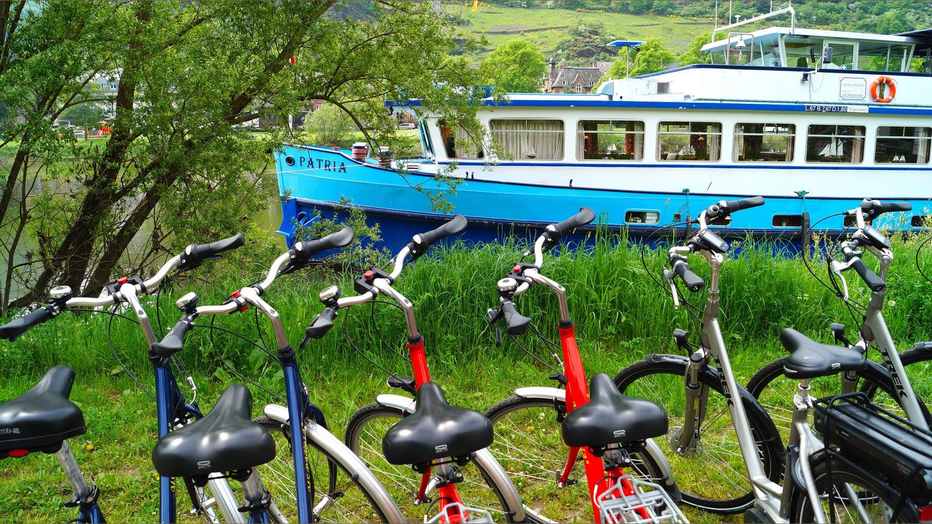 Hotelschip MS Patria met fietsen. © SE-Tours
