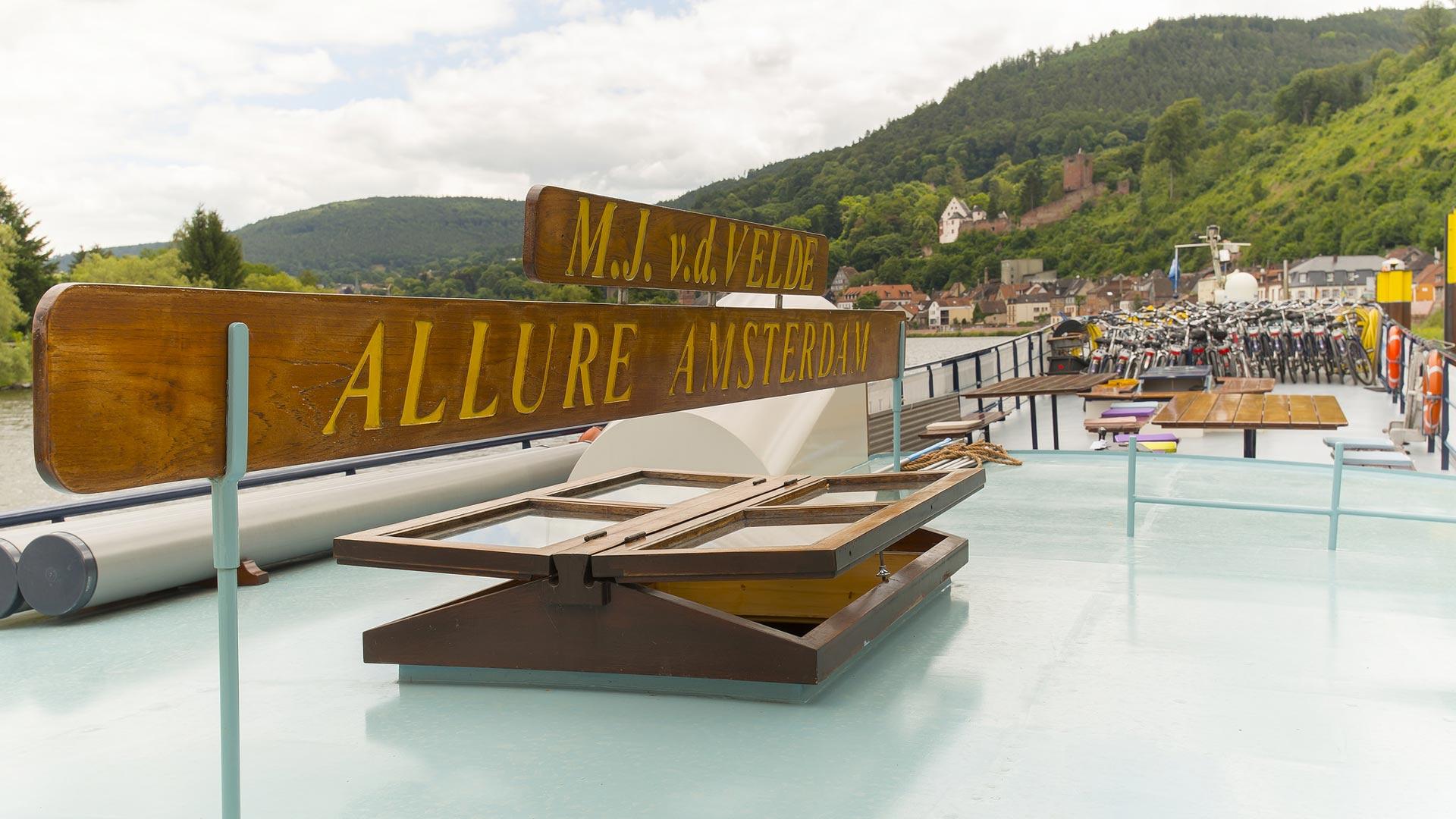 Op het dek van hotelschip MS Allure. © SE-Tours