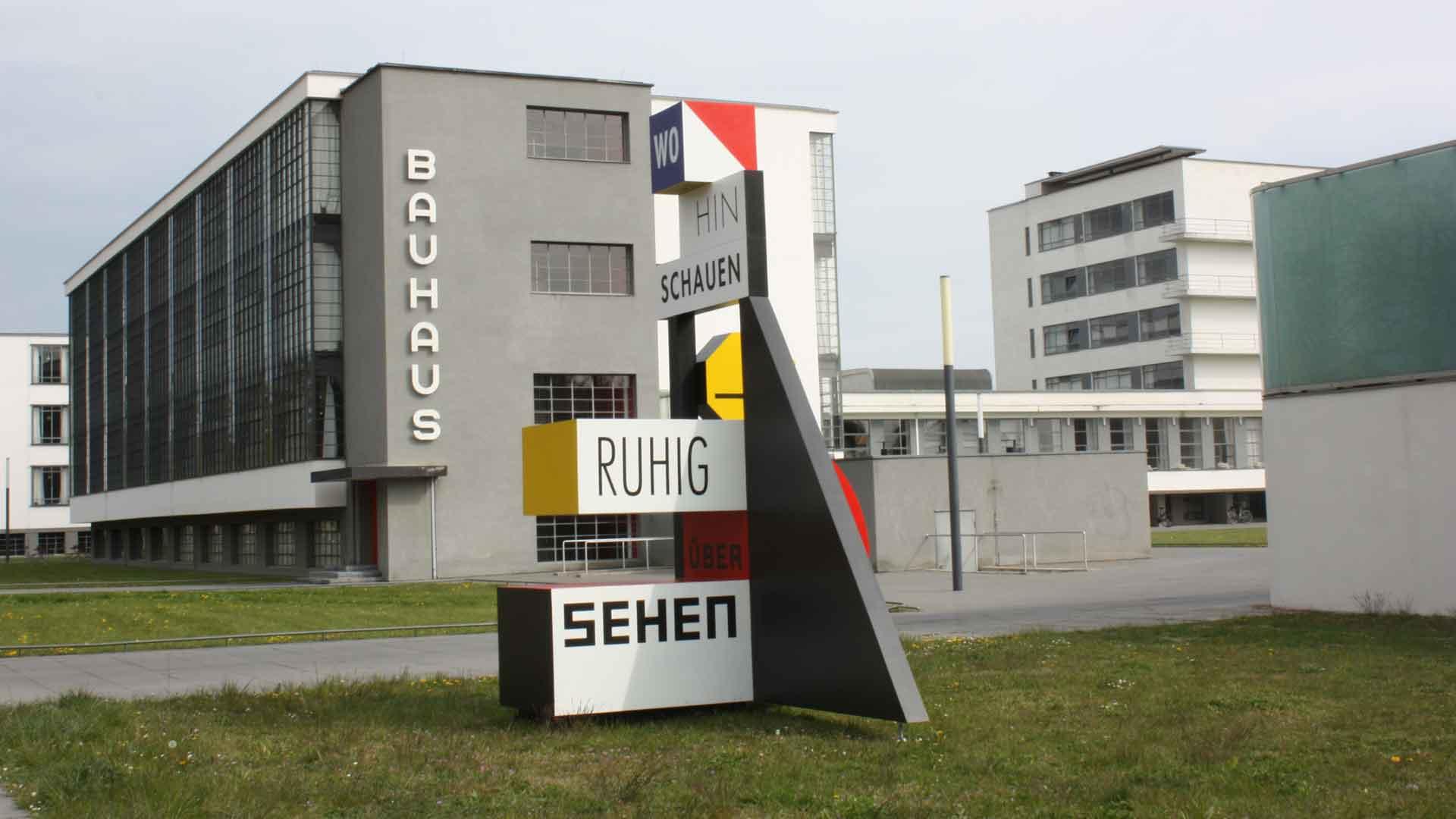 Het beroemde Bauhaus in Dessau.