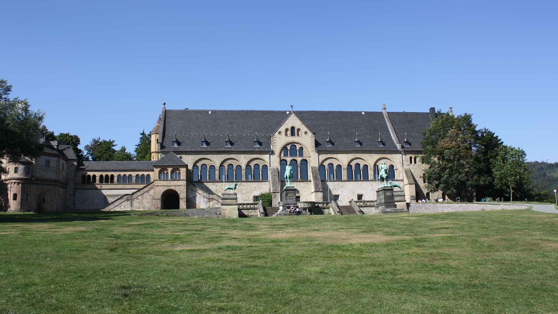 De Kaiserpfalz in Goslar was in de middeleeuwen een ontmoetingsplek voor de heersers in die tijd.