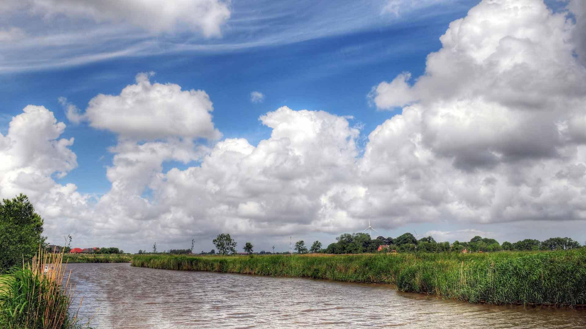 Het weidse landschap van Ostfriesland. © fotographer - fotolia.com