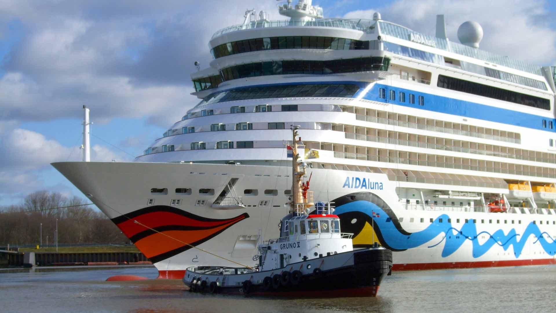 In Papenburg in het Emsland lopen enorme cruiseschepen van stapel.