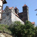 Het slot ligt hoog boven Quedlinburg.