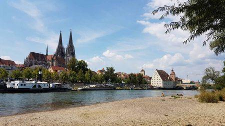 Regensburg: een van de hoogtepunten als je gaat fietsen langs de Donau. © fietsvakantie-duitsland.nl