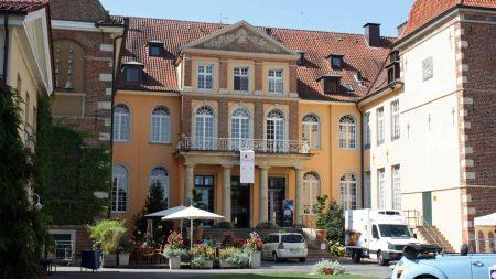Het 4 sterren superior SportHotel Velen is in een oud kasteel gevestigd.