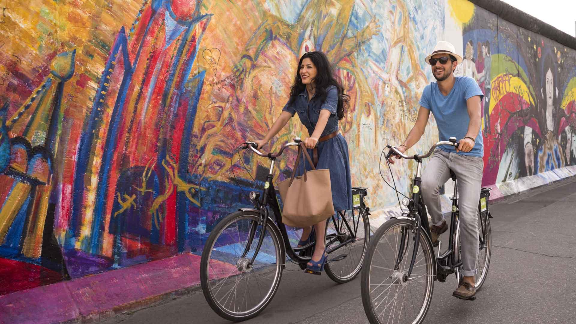 De East Side Gallery - fietsen langs de Berlijnse muur.