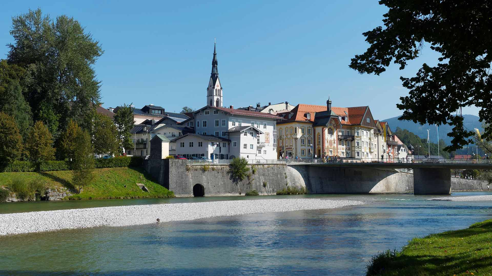 Het mooie stadje Bad Tölz ligt aan de Isar.