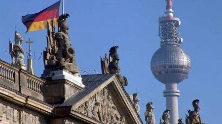 De Fernsehturm zie je overal in hartje Berlijn