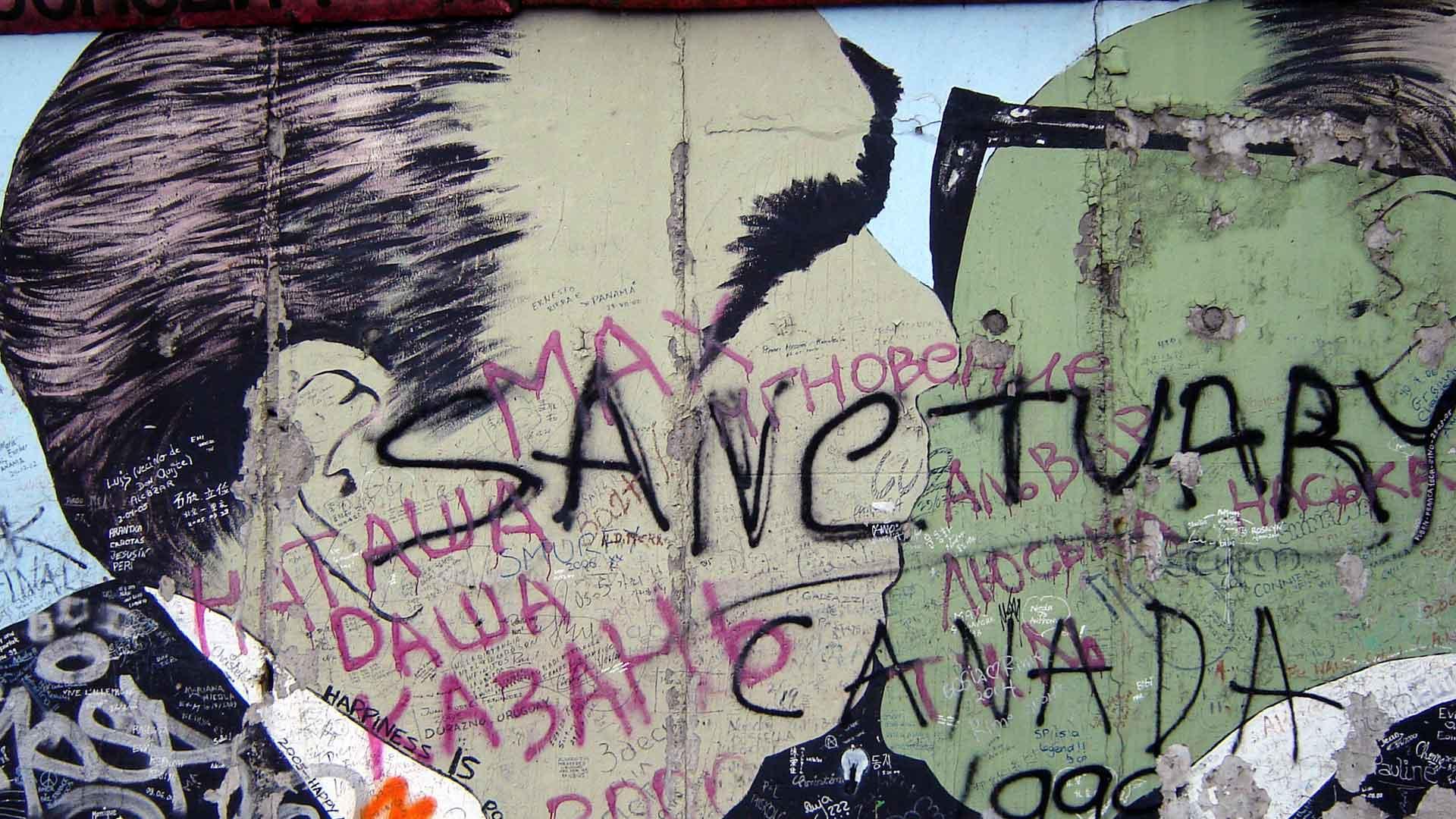 De broederkus: een populaire graffiti aan de Berlijnse muur.