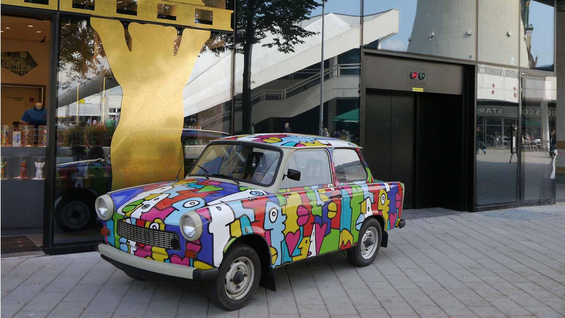 De iconische Trabant wordt inmiddels gebruikt voor stadsafaries