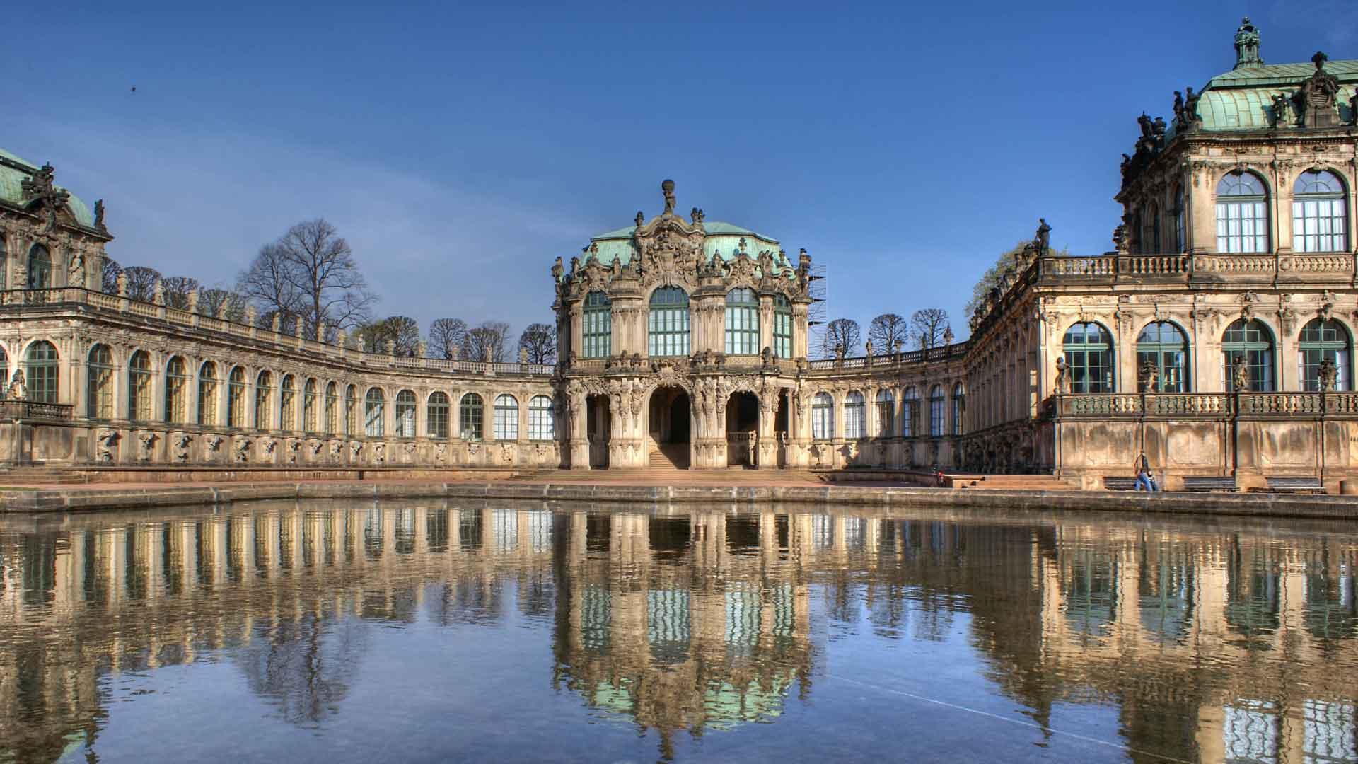 De beroemde Zwinger in Dresden.