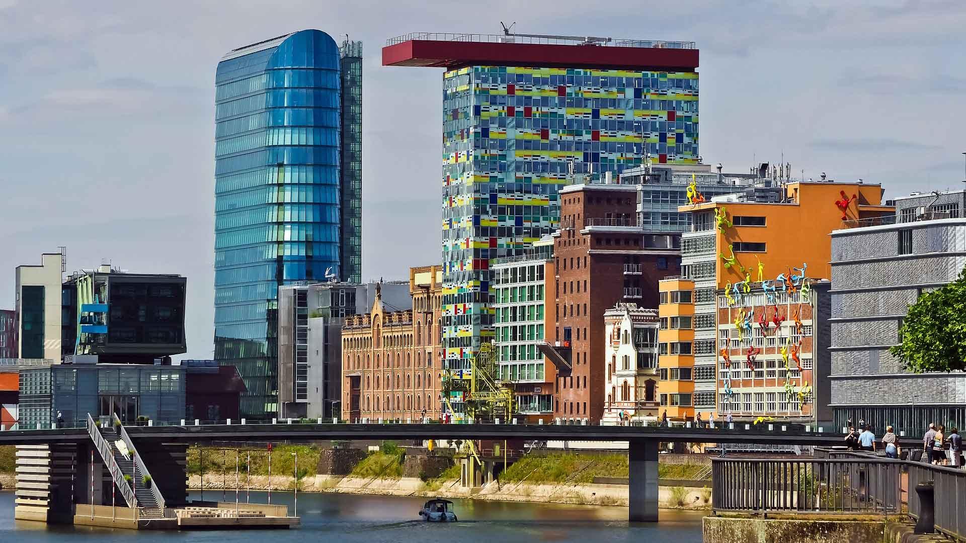 Markante gebouwen in de Medienhafen in Düsseldorf.