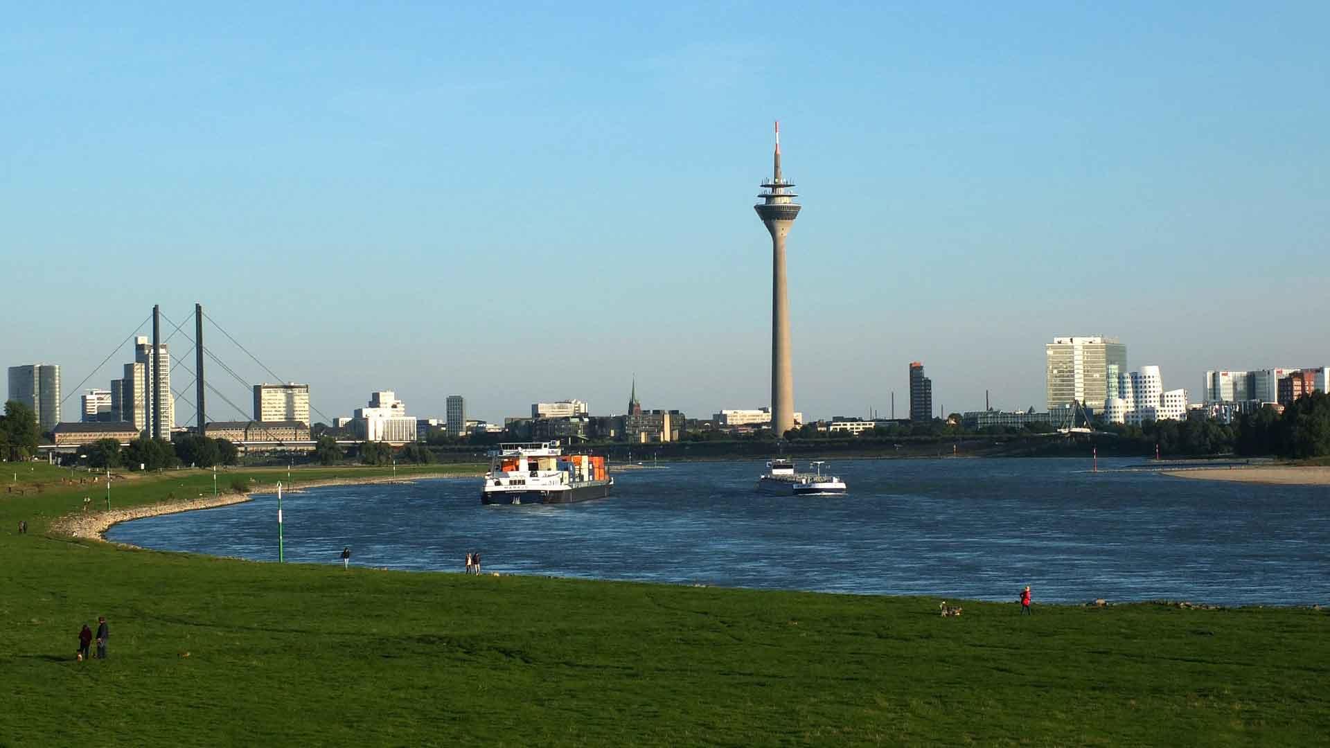 De skyline van Düsseldorf.