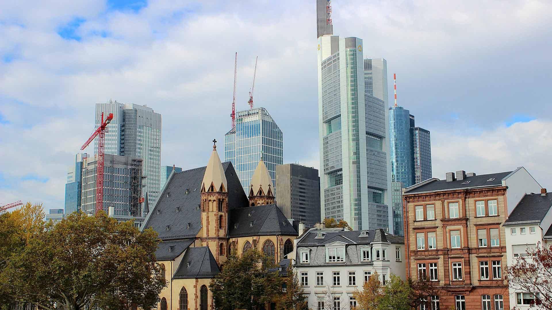 In Frankfurt am Main gaan oud en nieuw hand in hand.