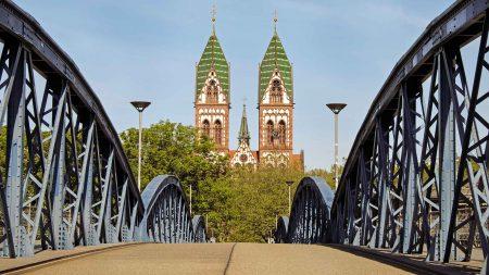 De Rheinradweg in Duitsland begint in Freiburg.