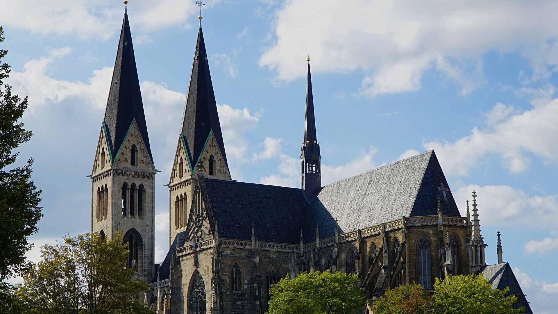 De imposante gotische dom van Halberstadt.