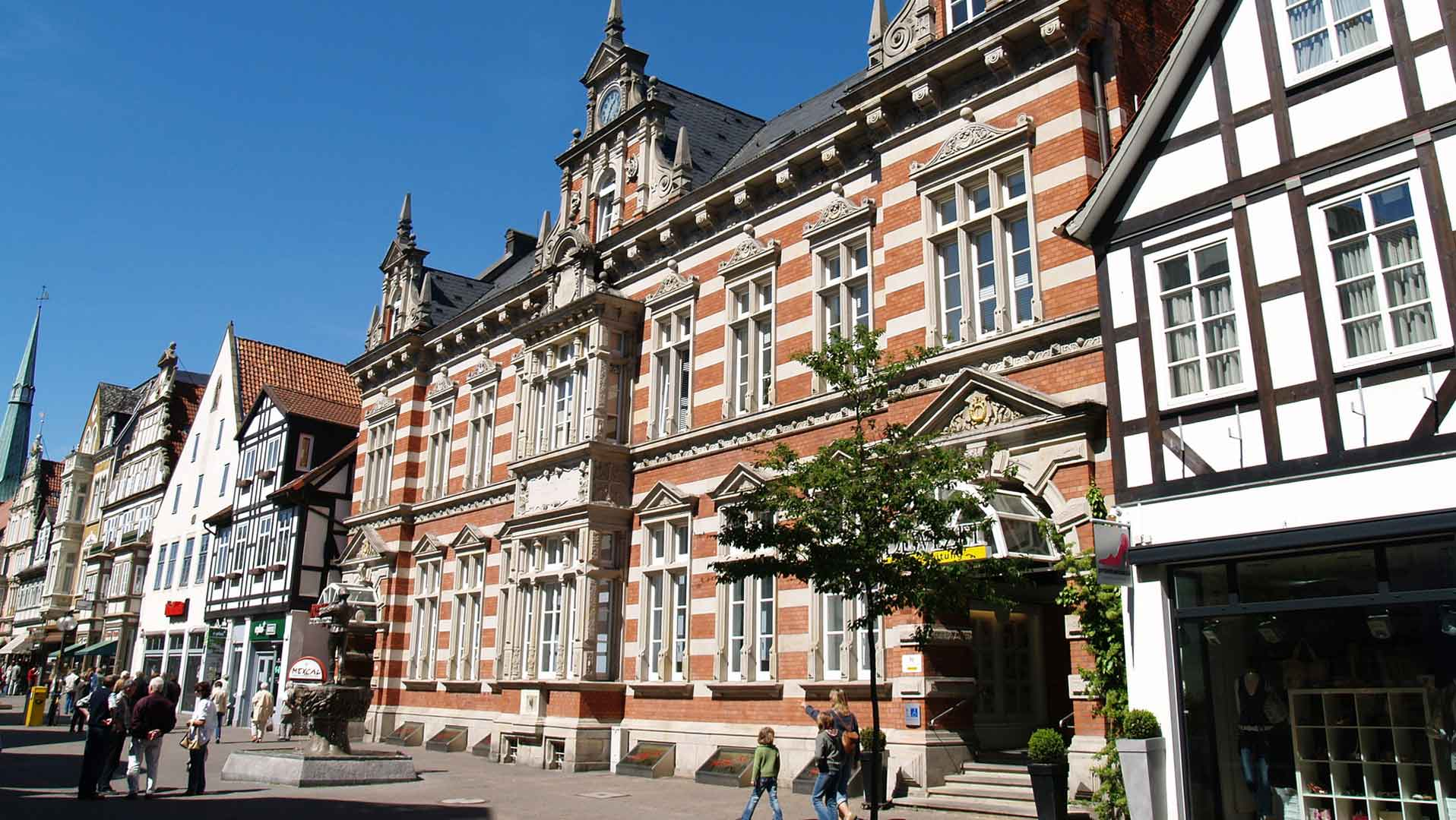 In Hamelen vind je veel vakwerk en gebouwen in de stijl van de Weserrenaissance.