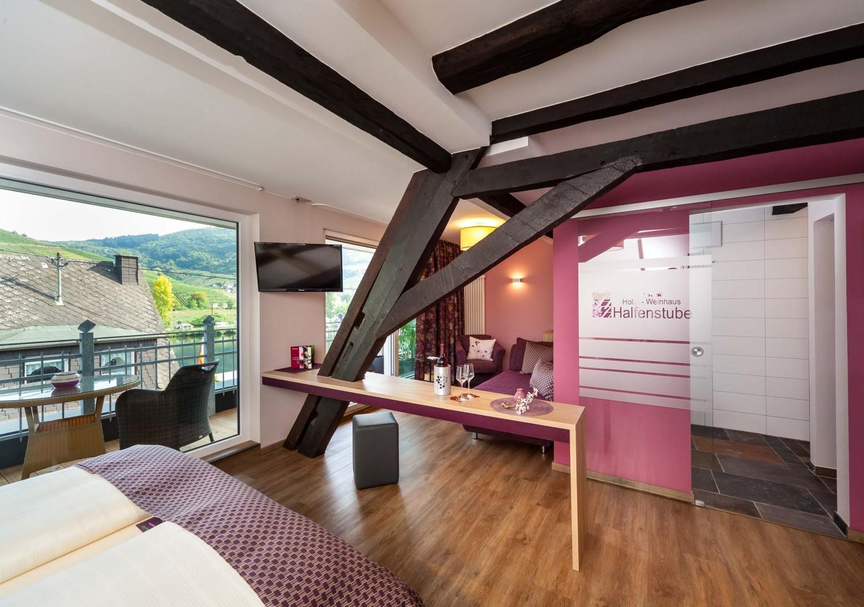 Voorbeeld van hotelkamer met balkon in Hotel Halfenstube.