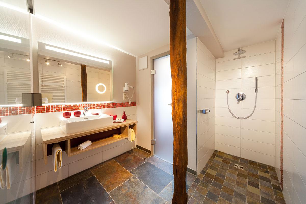 Hotel Halfenstube - voorbeeld badkamer