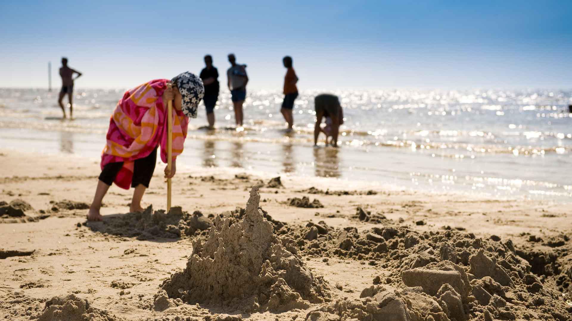 Fietsen met kinderen aan de Oostzee: Veel tijd voor strand en andere leuke activiteiten.