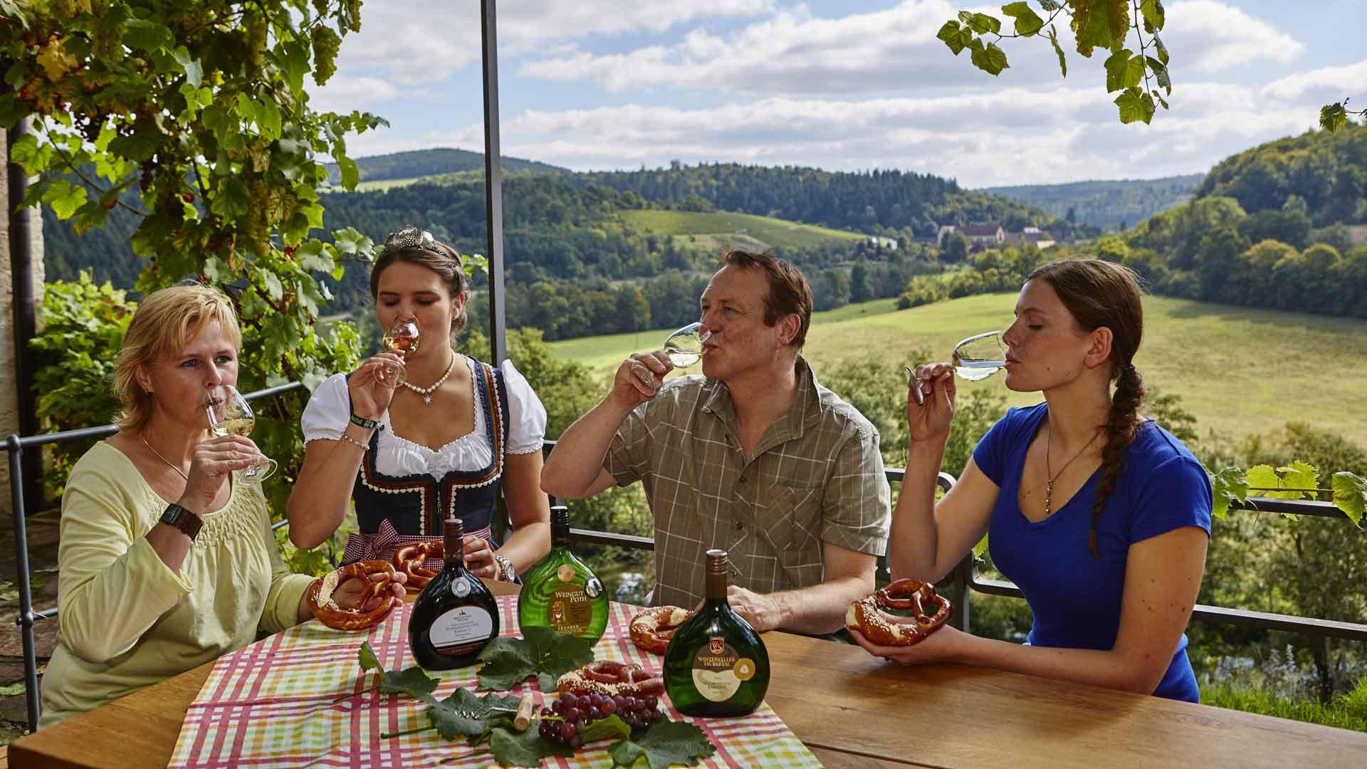 In het Liebliches Taubertal kun je op veel plekken ook genieten van wijnproeverijen.