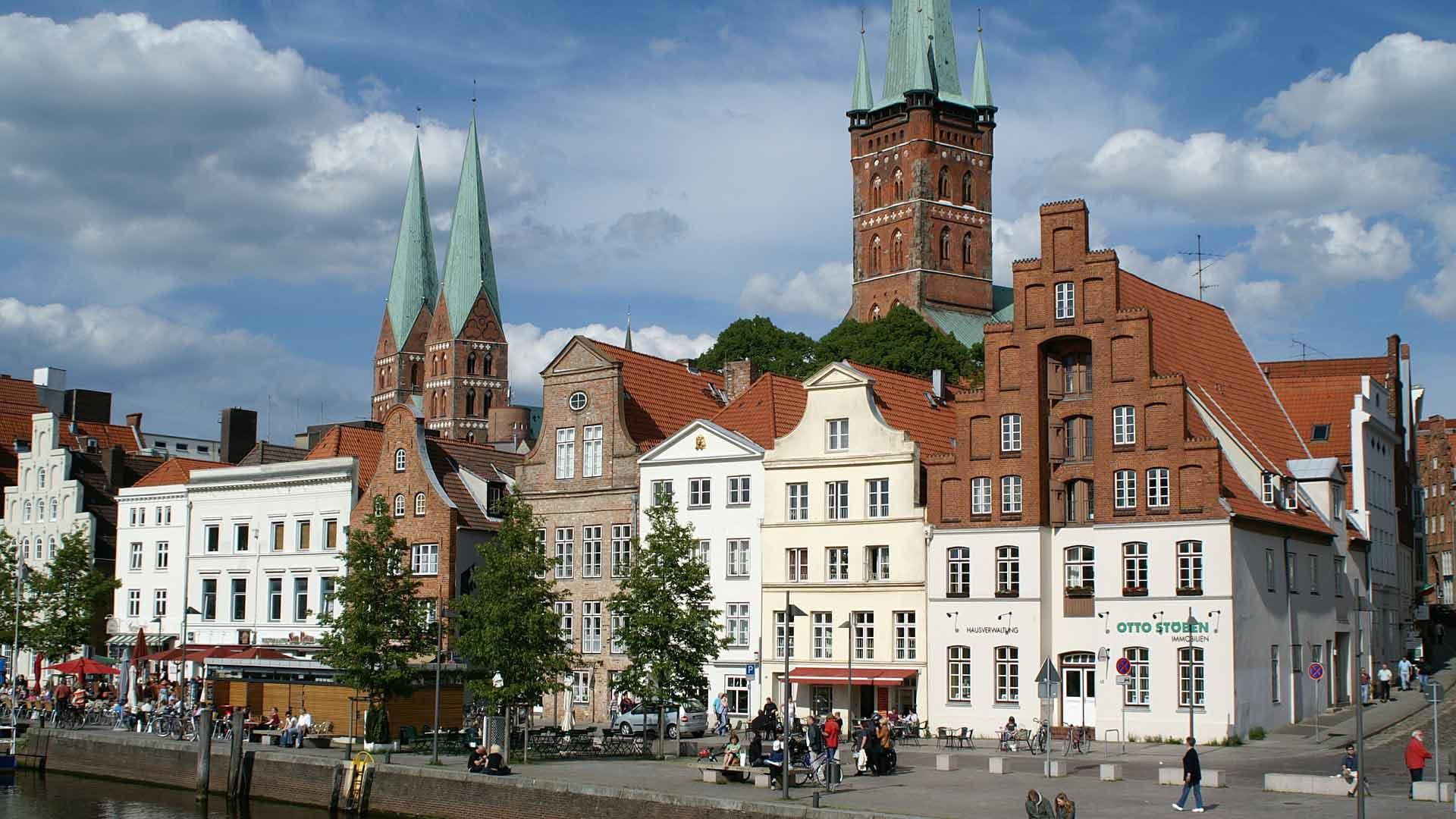 Mooi stukje Lübeck aan de kade van de rivier de Trave.