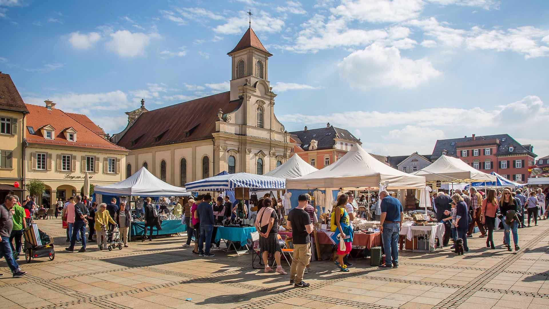 Een bezoek aan de markt in Lüdwigsburg is een aanrader