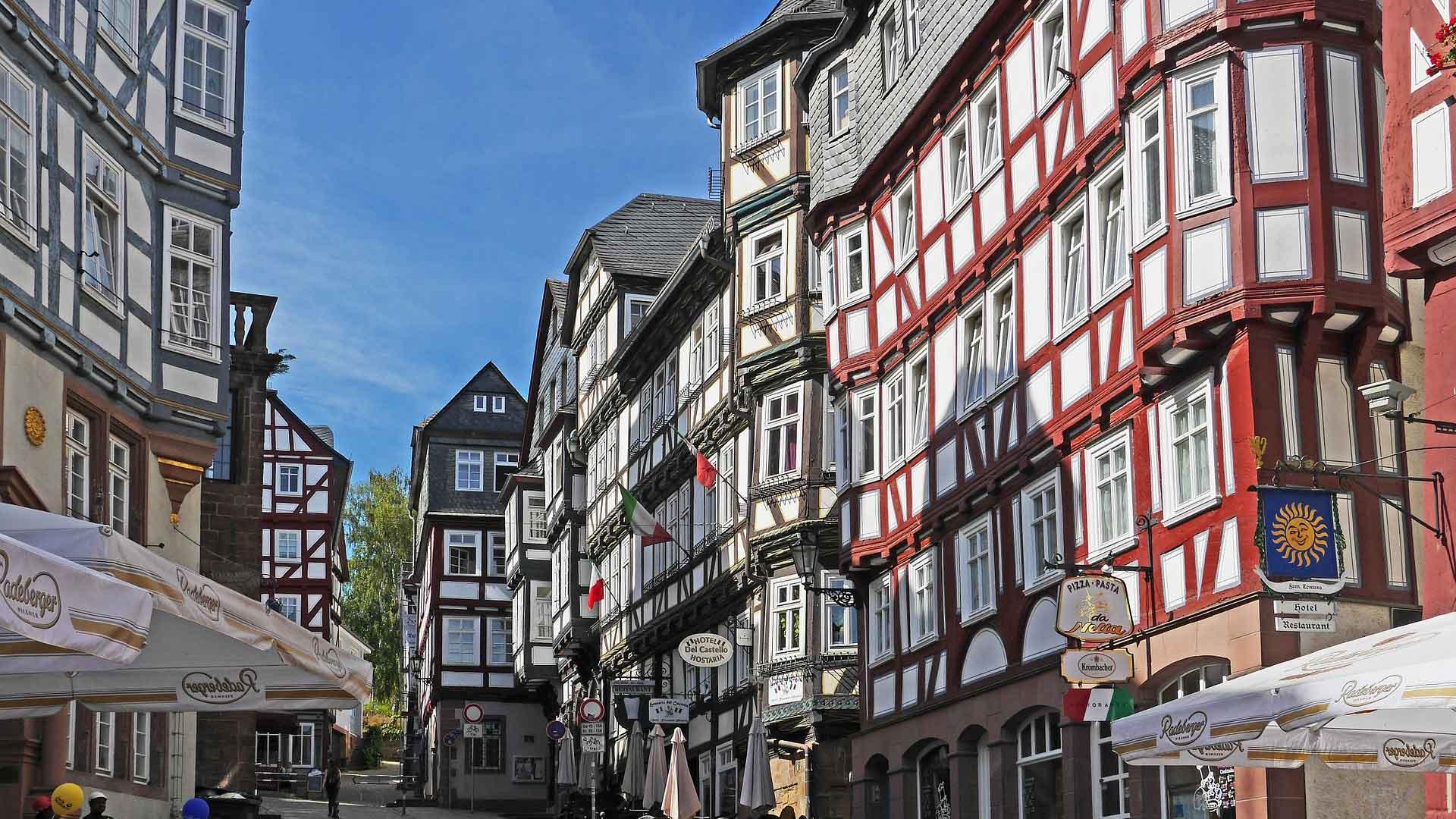 De gezellige universiteitsstad Marburg heeft veel vakwerk.