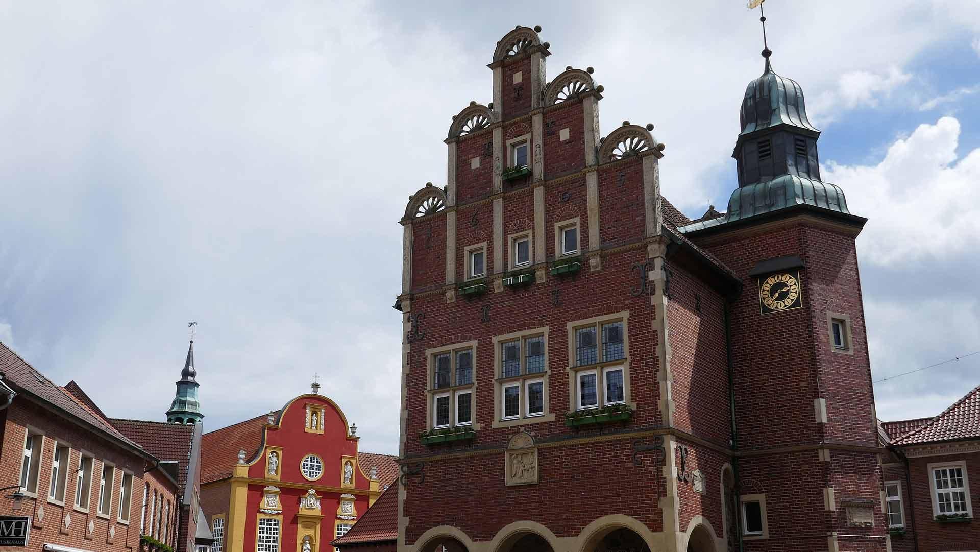 Het stadhuis van Meppen in Renaissance stijl.