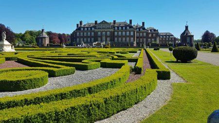 Schloss Nordkirchen wordt ook vanwege zijn Franse tuinen het Versailles van het Münsterland genoemd.