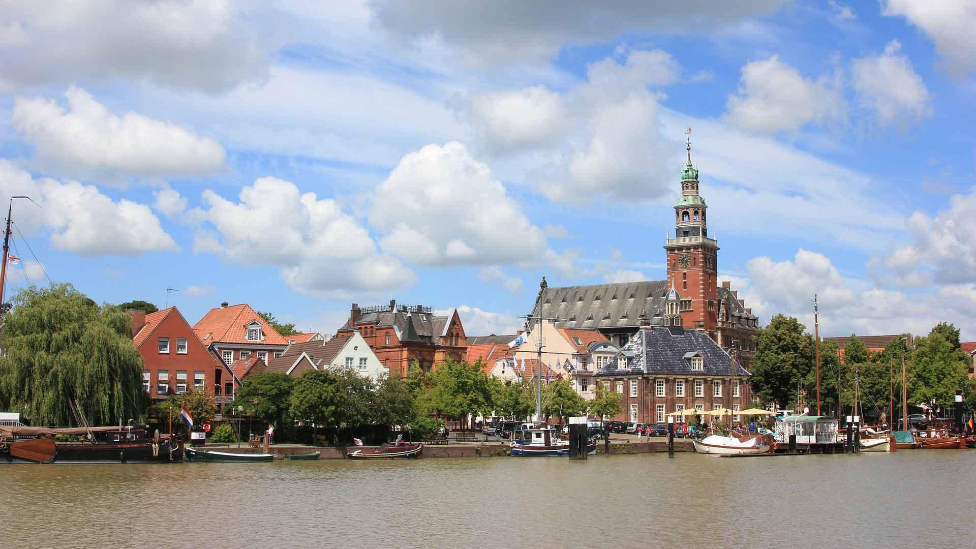 Ook Leer is een gezellige havenstad.
