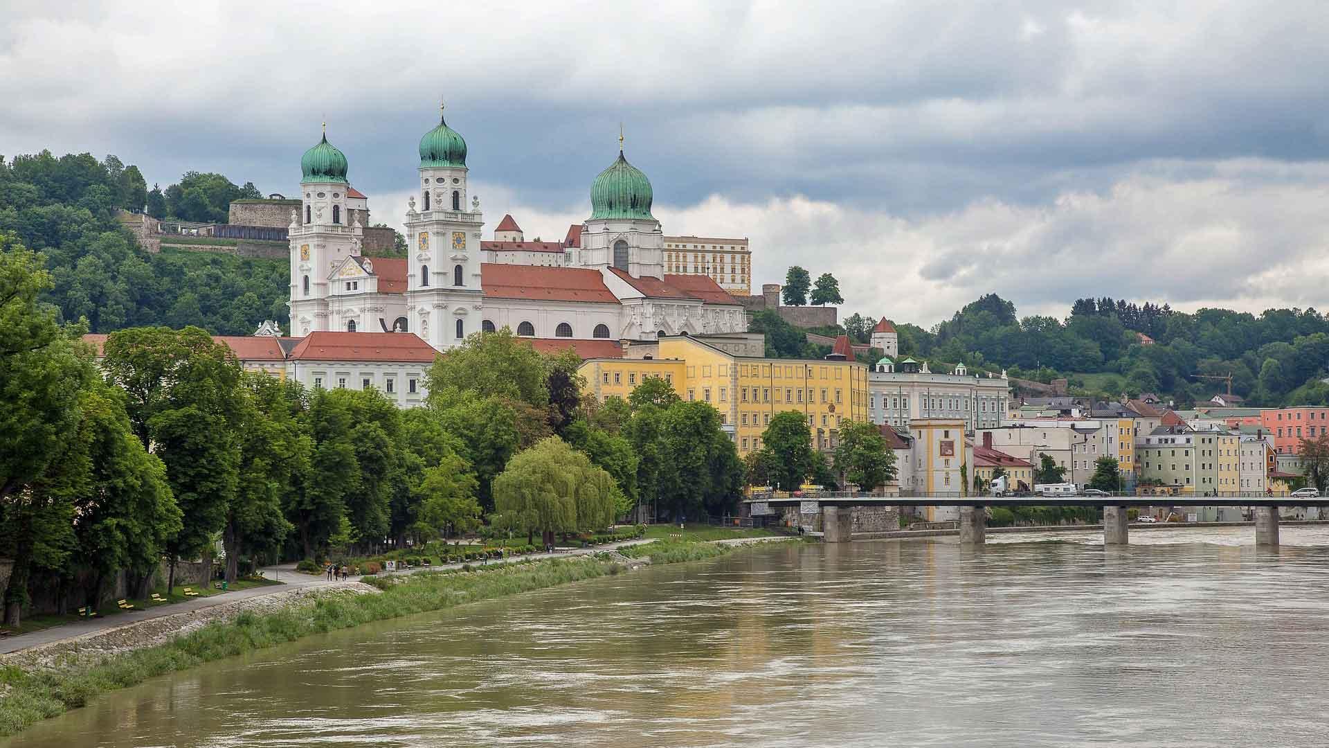 De mooie barokke dom van Passau.
