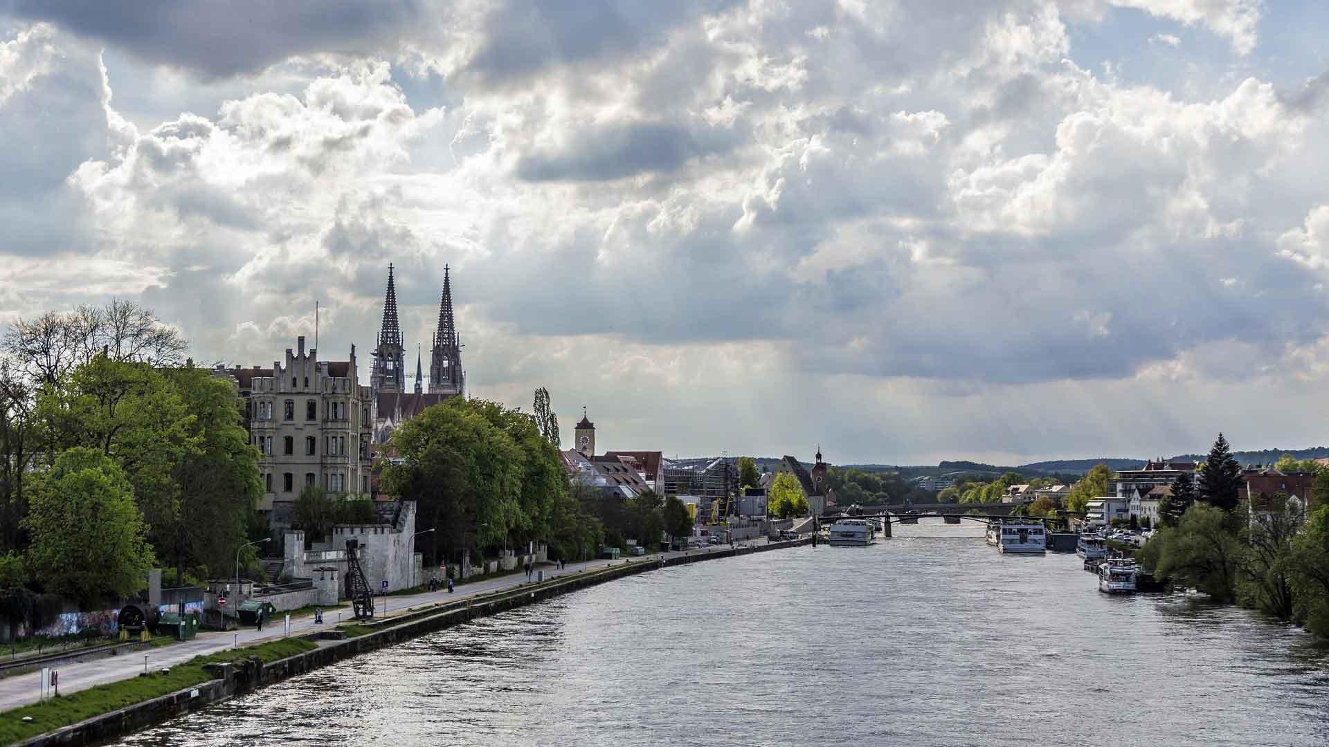 De Donau bij de prachtige stad Regensburg
