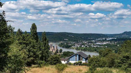 Uitzicht over Remagen tijdens de fietsvakantie langs Rijn, Ahr en Erft