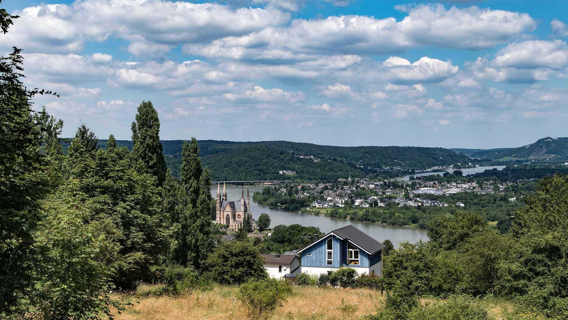 Uitzicht over Remagen aan de Rijn.