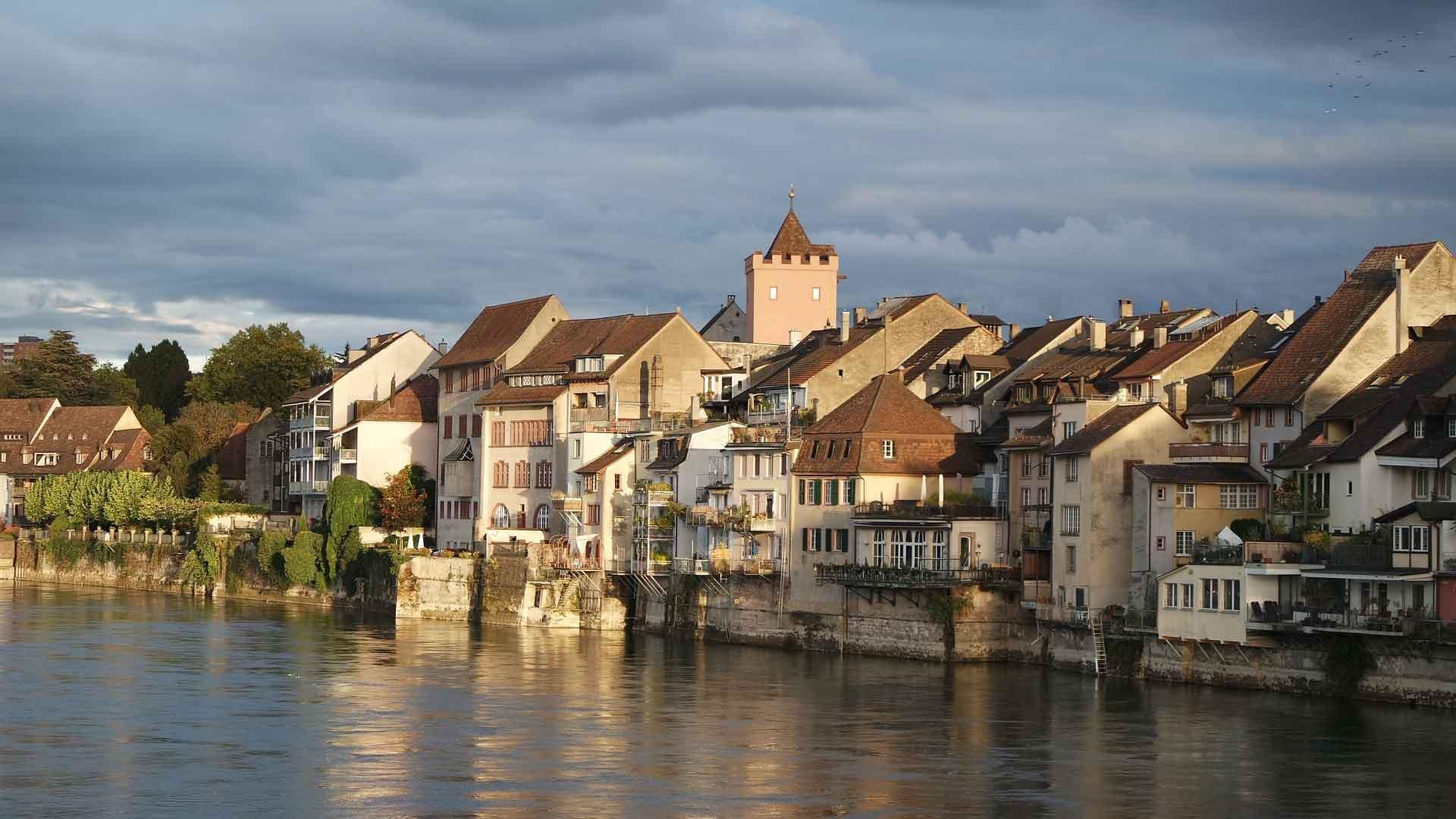 Rheinfelden ligt vlak bij Basel aan de Rijn.
