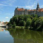 Het kasteel van Sigmaringen is een van de bezienswaardigheden tijdens je fietsvakantie op de Donauradweg in Duitsland. r de adellijke familie bewoond.