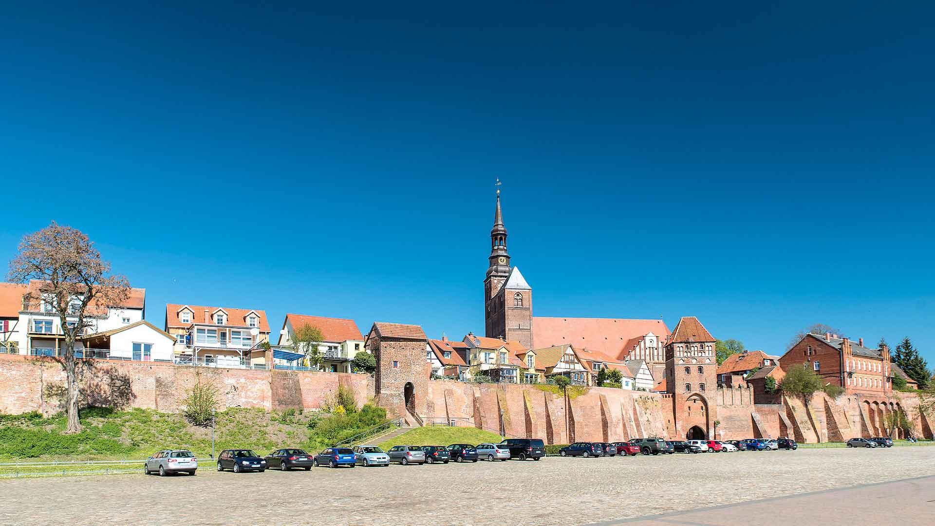 Het schippersstadje Tangermünde aan de Elbe.