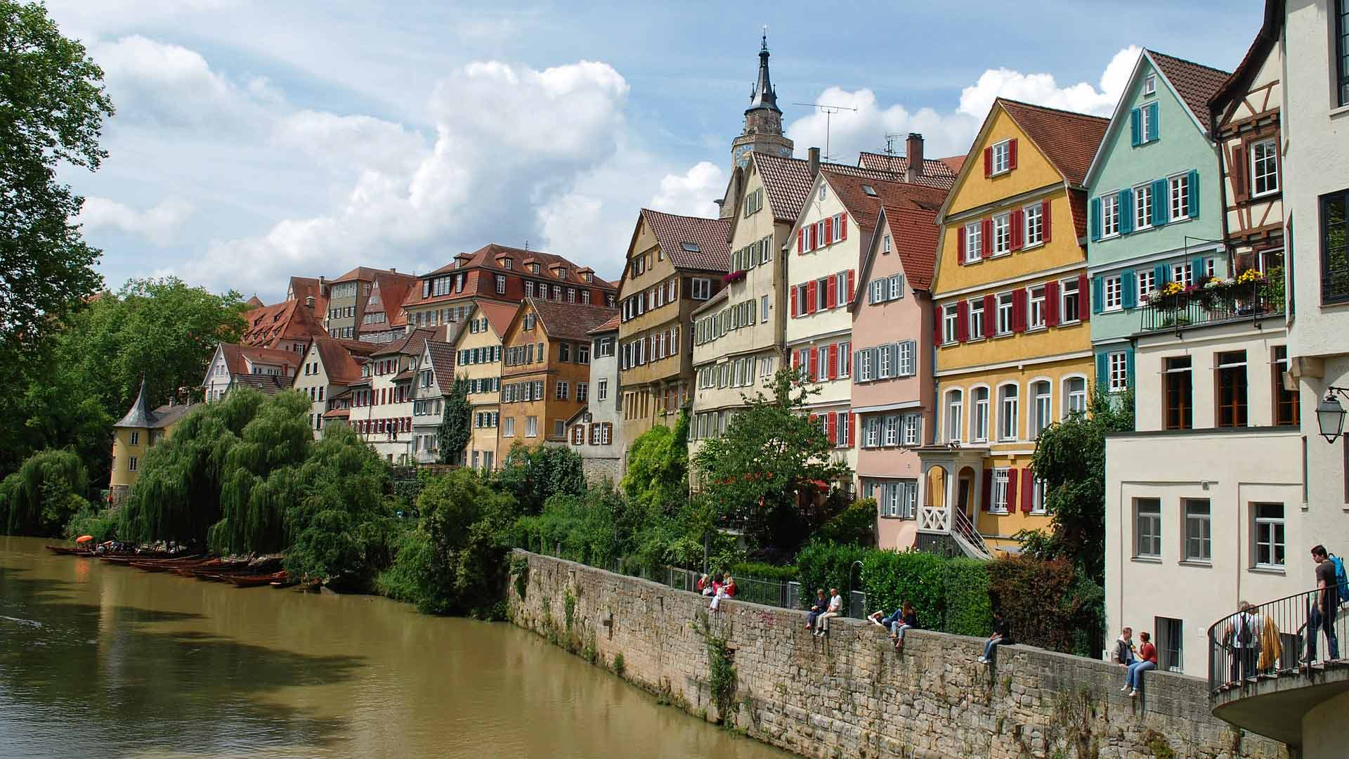 In de gezellige studentenstad Tübingen begint deze fietsvakantie langs de Neckar.