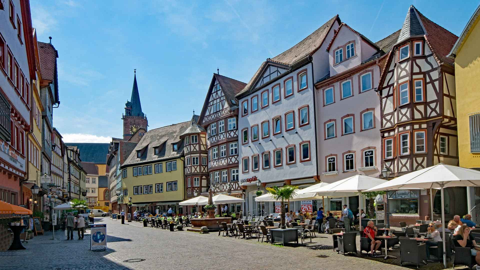 Het marktplein in Wertheim am Main.