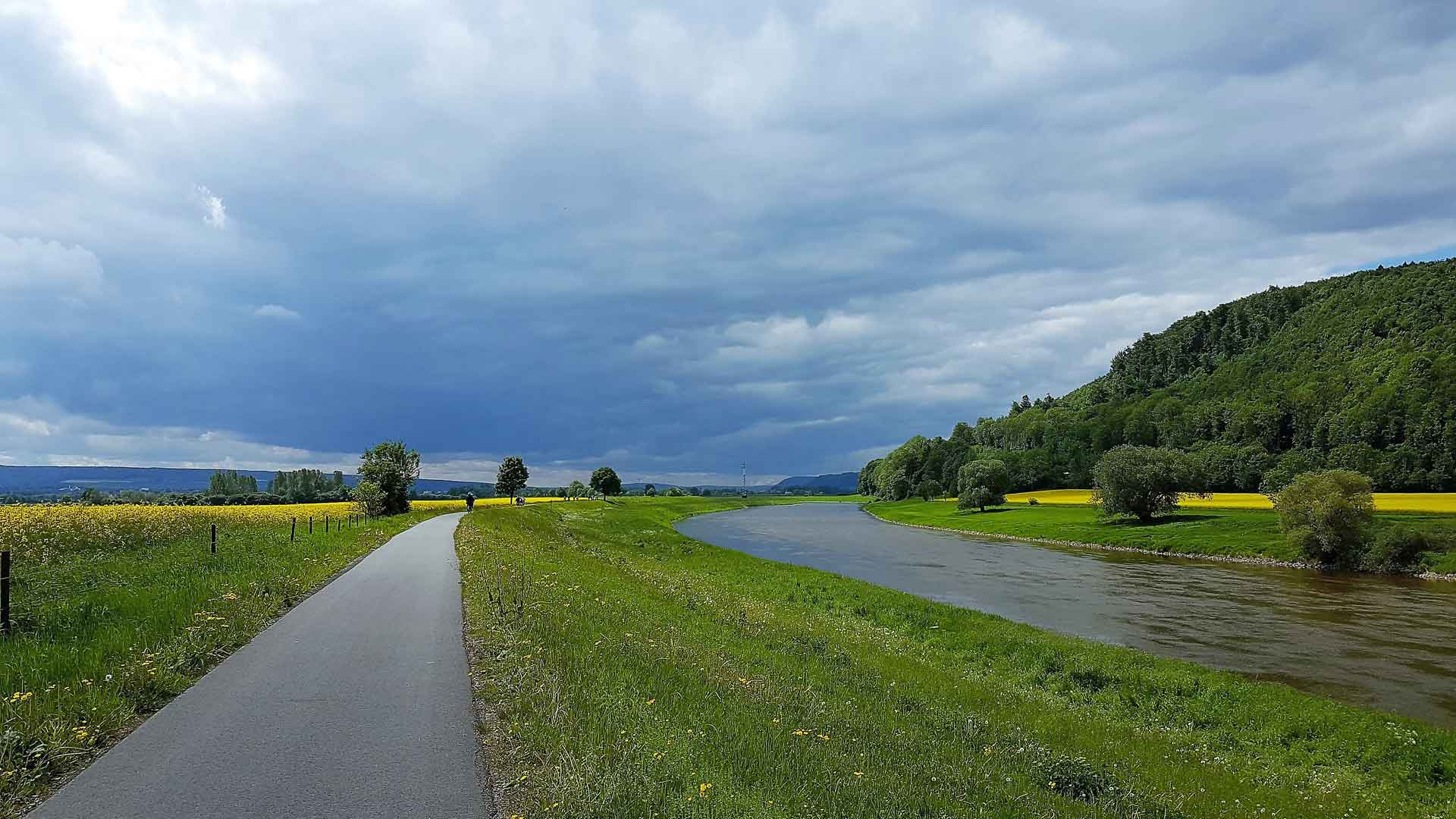 Fietsen over de Weserradweg.© fietsvakantie-duitsland.nl