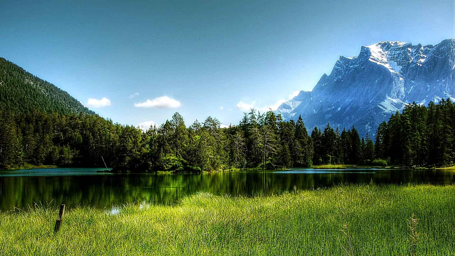 De Zugspitze is de hoogste berg van Duitsland.